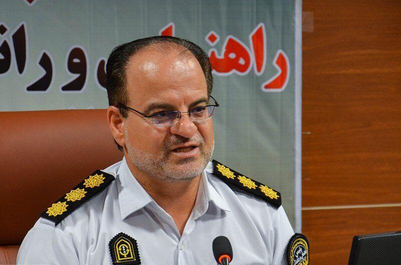 خبرنگاران پلیس راهور از ورود وسایل نقلیه به آرامستان های کرمانشاه جلوگیری می کند