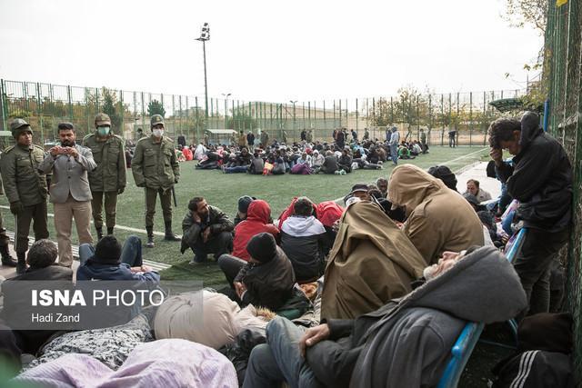 شروع جمع آوری معتادان متجاهر با پروتکل های جدید کرونا ، ارجاع مشکوک ها به مراکز کووید ماده 16