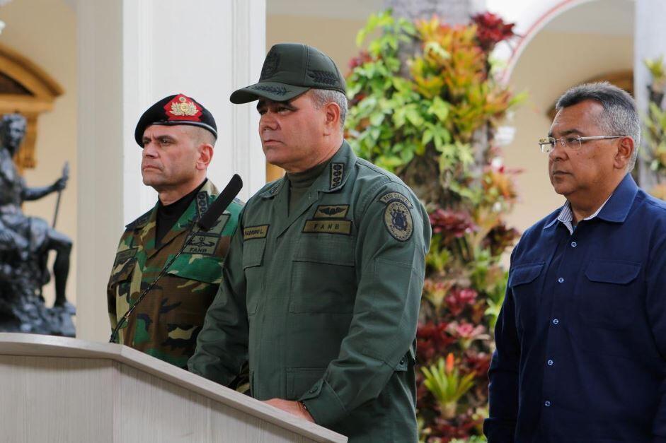 خبرنگاران محافظت تانکرهای نفتی ایران توسط ارتش ونزوئلا