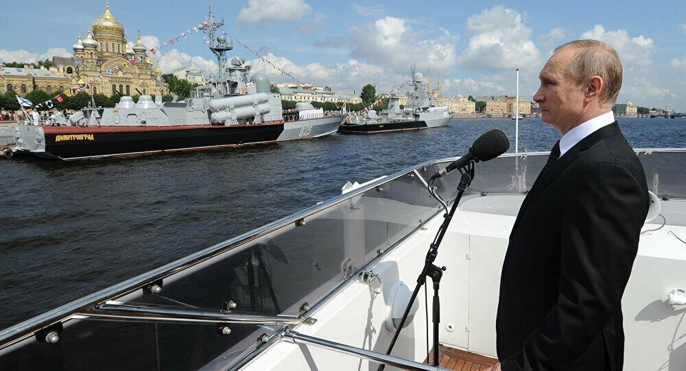حضور پوتین در مراسم روز نیروی دریایی، عکس