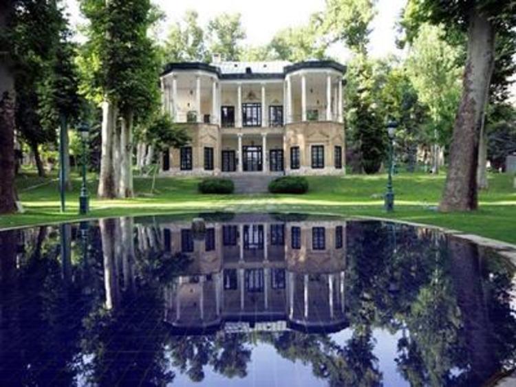 آقای فتاح! کاخ ها را به وزارت میراث فرهنگی بسپارید