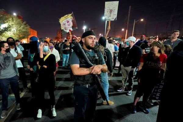 اعتراضات پساانتخاباتی در آمریکا، آریزونا و میشیگان ناآرام شد