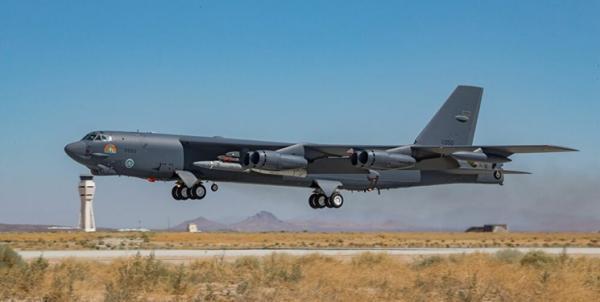 اعزام بمب افکن های آمریکایی به قطر برای محافظت از خروج نظامیان از افغانستان